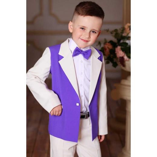 Красивый костюм на праздник для мальчика молочный с сиреневым