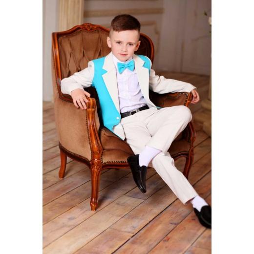 Оригинальный детский костюм для мальчика молочный с морской волной