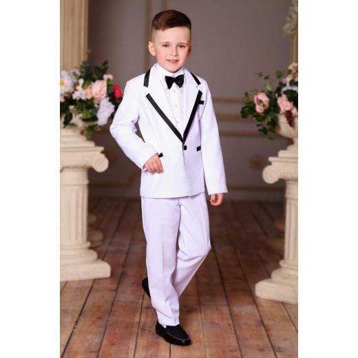 Стильный белый костюм для мальчика