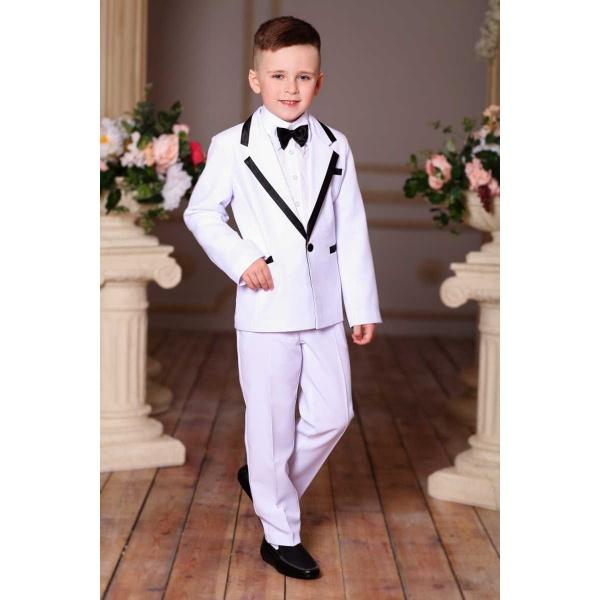 Костюм для мальчика белый с черной отделкой 80