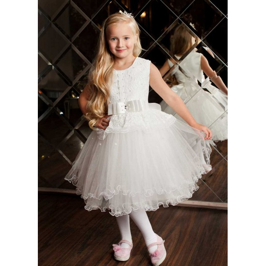 Шикарное платье для девочки молочное