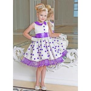 Нарядное короткое платье для девочки молочное с сиренью