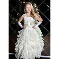 Бальное платье с рюшами для девочки молочное
