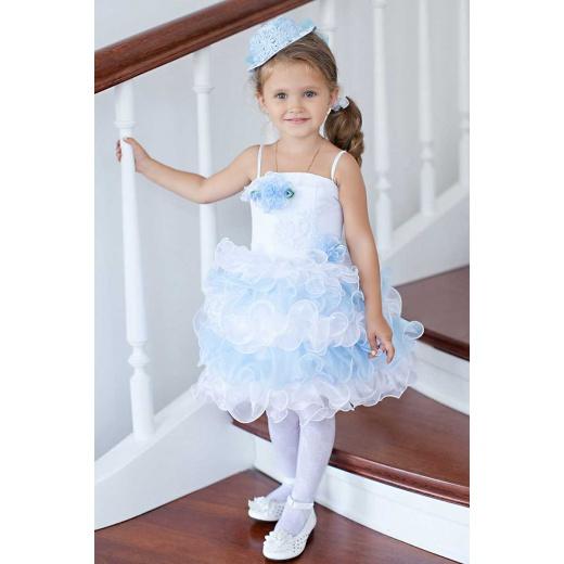 Нарядное платье для самых маленьких  бело-голубое