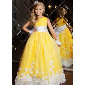 Пышное платье на торжество для девочки желтое с белым