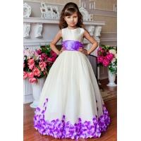 Длинное нарядное молочное с сиреневым платье для девочки