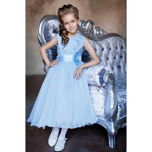 Детское белое платье пышное голубое